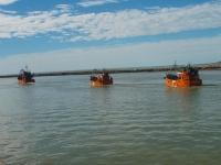 Barcos fresqueros saliendo a faenar