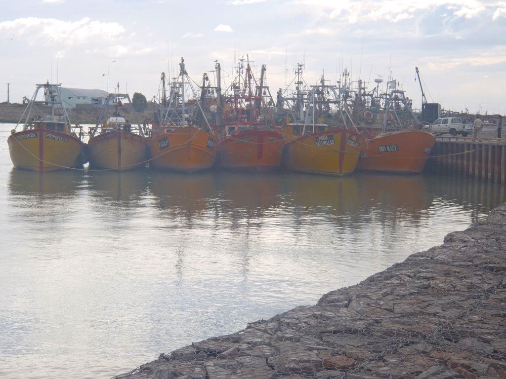 Amarillo característico de los barcos fresqueros.